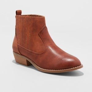 Women's Western Short Cognac Brown Ankle Boots NWT